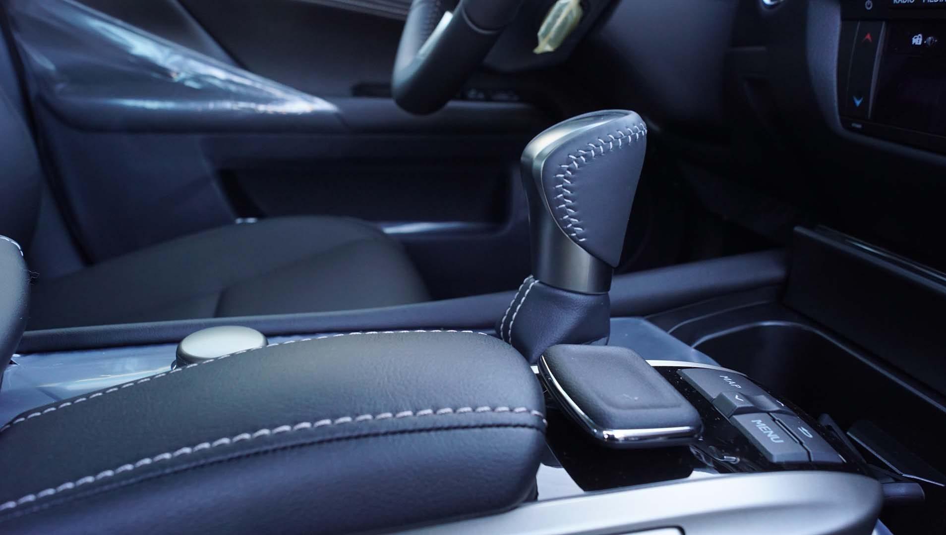 Tapizado de cuero Lexus