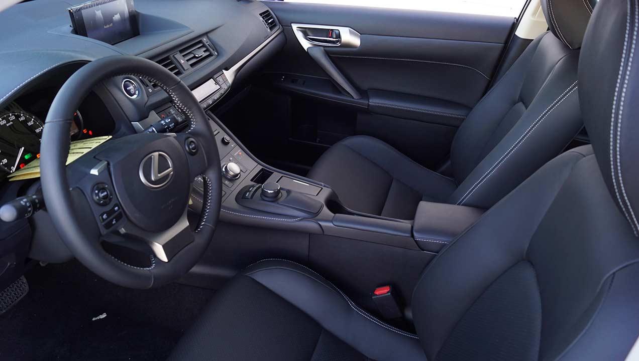 Tapicería de cuero Lexus CT 200h